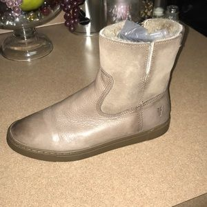 Frye shearling Ankle Boots